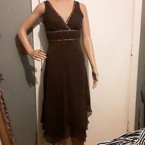 Speechless brown sleeveless dress with ruffle hem
